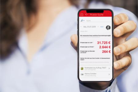 Kalkulation der Kostenersparnis auf dem Smartphone